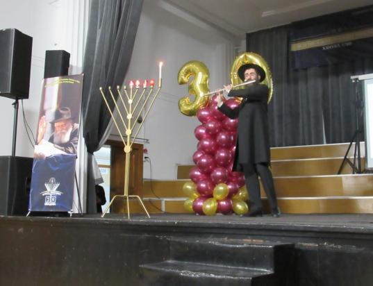 30-years-chanukah-concert037chabad-moldova