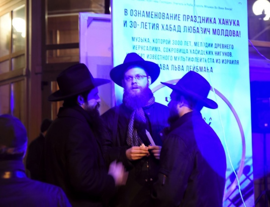 30-years-chanukah-concert059chabad-moldova