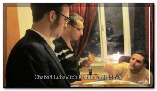 phoca_thumb_l_students_chanukah577330