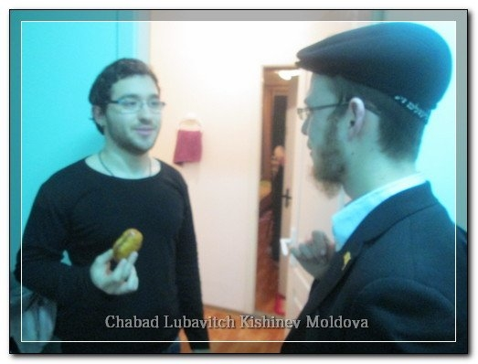 phoca_thumb_l_students_chanukah577346