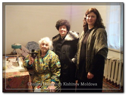 phoca_thumb_l_seniors_chanukah57735