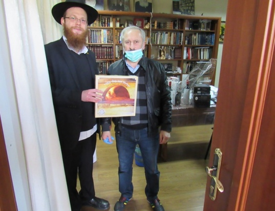 passover-food2020WhatsApp-Image-2020-04-01-at-8.48.07-AM-1chabad-kishinev