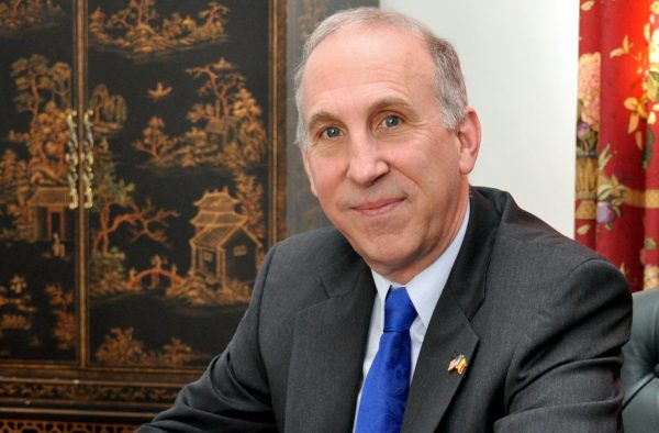 USA Ambassador James D. Pettit
