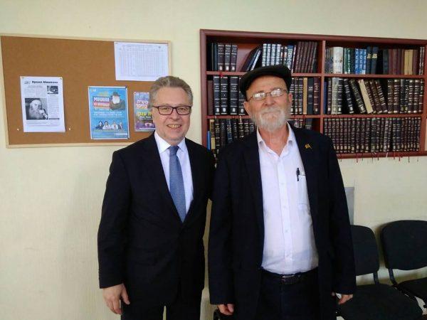 שגריר צרפת למולדובה אורח הקהילה היהודית