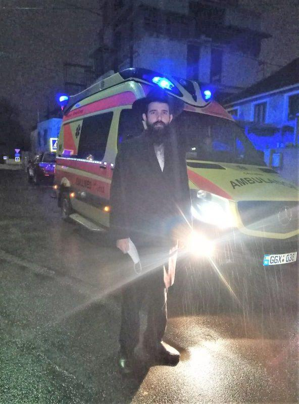 Rabbi in Moldova helps save a life and scores matzah for his community